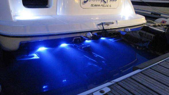 Undervannslys båt
